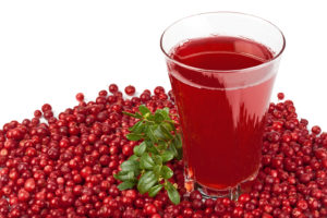Fresh cranberries and juice